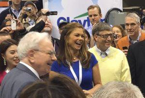 Warren Buffett Bill Gates e Berkshire Hathaway Shareholders Meeting